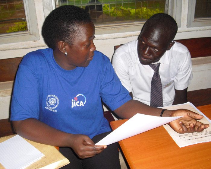 Margaret Akech discusses career options with Opiyo Mark at SSBS 700x560 Education Slideshow